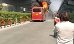 સુરતના સરથાણામાં ચાલુ BRTS બસમાં લાગી આગ, મુસાફરોનો આબાદ બચાવ