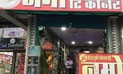 સુરત: ઔદ્યોગિક વસાહતોમાંની દુકાનો અને ચાની કીટલીઓ પોલીસે બંધ કરાવવાનું શરૂ કર્યું