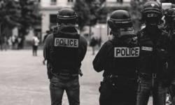 અમેરિકાઃ પોલીસ પર છીંકવાની ધમકી આપનાર સામે આતંકવાદ ફેલાવવાનો કેસ