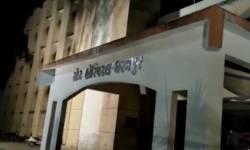 ધરમપુરની સરકારી હોસ્પિટલમાં મંગળવારે મોડી રાત્રે આગ લાગી