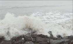વલસાડના તીથલ દરિયા કિનારે 'નિસર્ગ' વાવાઝોડાની અસર શરૂ