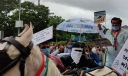 સુરત: ઈંધણના ભાવવધારાના વિરોધમાં કોંગ્રેસના કાર્યકરોએ ઘોડાઘાડી ફેરવી સૂત્રોચ્ચાર કર્યા
