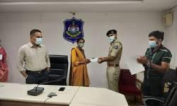 સુરત : ગ્રામ્ય કક્ષાએ પોલીસને મદદરૂપ થનાર ત્રણ ગ્રામીણ મહિલાઓને સન્માનિત કરાઈ