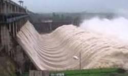 વલસાડ સહિત દક્ષિણ ગુજરાતમાં જામ્યો વરસાદી માહોલ, 24 કલાક માં ઉમરગામ માં પડ્યો ચાર ઈંચ વરસાદ : હથનુર ડેમ ના તમામ દરવાજા ખોલી નખાયાં