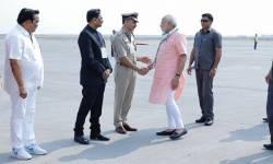 PM મોદીએ પ્રાંતવાદ, જાતિવાદનો છેદ ઉડાવી સિગ્નલ આપી દીધું છે કે 'ગુજરાતમાં હજુ પણ અંતિમ નિર્ણય તેઓ જ કરે છે'