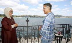 અગાઉ અસહિષ્ણુતા મુદ્દે વિધાનો કરીને વિવાદમાં ઘેરાયેલા ફિલ્મ અભિનેતા આમિર ખાનની હળાહળ ભારત વિરોધી તુર્કીનાં ફર્સ્ટ લેડી સાથે મુલાકાત