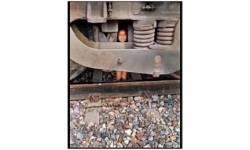 હરિયાણામાં ટ્રેન 2 વર્ષના બાળક પરથી પસાર થઈ ગઈ છતાં આંચ ન આવી