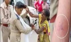 No Entryમાં વાહન લઈ જવા માટે રોકતા મહિલાએ જ મહિલા પોલીસકર્મીને ઢીબી નાંખી : કોન્સ્ટેબલને હાથે ભર્યું બટકું
