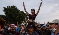 થાઇલૅન્ડ : બૅંગકોકમાં રાજાશાહી સામે ફરી બળવો, કટોકટી જાહેર કરાઈ