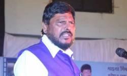 'ગો કોરોના ગો' નારો આપનાર કેન્દ્રીય મંત્રી રામદાસ અઠાવલે કોવિડ પોઝિટિવ