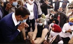 ખેડૂત આંદોલનનો ૧૨મો દિવસ,રાજકીય રોટલો શેકવાં દિલ્હીના CM કેજરીવાલ ખેડૂતોને મળવા સિંધુ બોર્ડર પહોંચ્યા