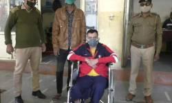 નવસારી : પેરોલ જમ્પ કરીને ભાગી ગયેલા બે આરોપીને LCBએ  વિદેશી દારૂ સાથે ઝડપયા