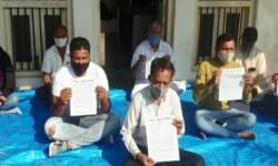દક્ષિણ ગુજરાત ખેડૂત સમાજે  ઉપવાસ પર બેસી કૃષિ બિલને સમર્થન જાહેર કર્યું