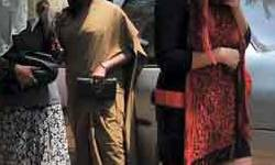કામરેજ આસ્તા ગામે ફાઈવસ્ટાર ફેસિલિટી વાળા ફાર્મ હાઉસમાં પોલીસના દરોડા : જુગાર રમતી 4 મહિલા સહિત 7 ઝડપાયા