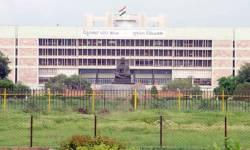 ગુજરાતના કયા બે IAS ઓફિસર દંપત્તિ ડેપ્યુટેશન પર દિલ્હી જવા માગે છે?