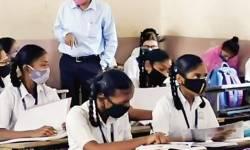 SOP ગાઇડલાઇનને લઈ નવસારી જિલ્લાની શાળાઓમાં DEOનું આકસ્મિક ચેકિંગ