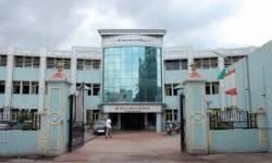 કાર પલટી જતા સુરત જિલ્લા ભાજપ ઉપપ્રમુખ અજીતસિંહ સુરમાને ઇજા થતા સરદાર હોસ્પિટલમાં ખસેડાયાં