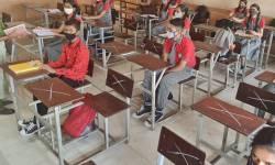 કોરોનાનો ડર ઘટયો:જિલ્લામાં 10 દિવસ બાદ ધોરણ 10 અને 12ની શાળાઓમાં સરેરાશ હાજરી 80 ટકા પર પહોંચી