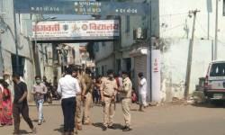 અમદાવાદ મ્યુનિ. ચૂંટણી LIVE : અમદાવાદના મેઘાણીનગરમાં ભાજપ અને કોંગ્રેસના કાર્યકરો વચ્ચે ઘર્ષણ, પોલીસના ધાડા ઉતર્યા