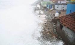 રાજુલામાં દીવાલ ધરાશાયી થતાં એક જ પરિવારના 4 લોકો દટાયા, બાળકીનું મોત