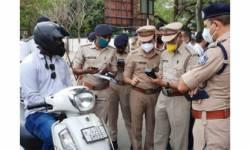 સુરત ટ્રાફિક પોલીસ પણ કેશલેશ, કાર્ડ સ્વાઇપ કરીને પણ ભરી શકાશે દંડ