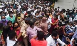 દે ધના ધન !! રામ જન્મભુમિ મંદિર નિર્માણ વિવાદમાં મુંબઈમાં શિવસેના-ભાજપ કાર્યકરો વચ્ચે મારામારી…
