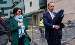 UK : કોરોનાકાળમાં ચુંબન ભારે પડી ગયું, આખરે સ્વાસ્થ્ય મંત્રીએ રાજીનામું આપવું પડ્યું, Video થયો હતો વાયરલ