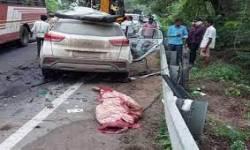 મધ્યપ્રદેશથી ગુજરાત આવતી કારનો અકસ્માતમાં એવો ગૂંચડો વળ્યો કે, પતરાં કાપી મૃતદેહો બહાર કઢાયા