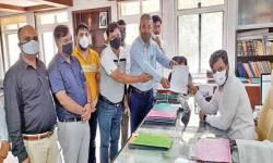 ઉત્તર ગુજરાતમાં તલાટી મહામંડળ દ્વારા અધિકારીઓને આવેદનપત્રો અપાયા